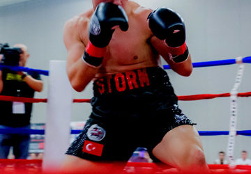 "Hmong Champion Duarn ""The Storm"" Vue To Fight For WBA Championship In Oshkosh"
